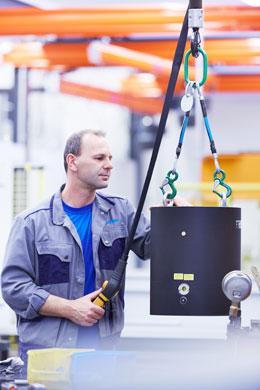 Kompakt und sicher Das Konstruktionsprinzip erlaubt besonders kompakte Klemmeinheiten. Sie bieten sich für Anwendungen m