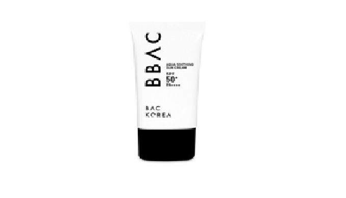 LONG LASTING Long-lasting sunscreen brightening skin. SOFT FEEL Suncream without white film and stickiness that is gentl