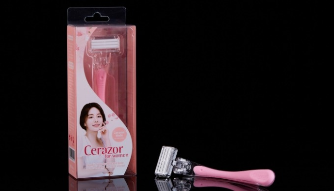 Cerazor for women is World's first ceramic razor for the protection of women's sensitive skin.  And the razor blades com
