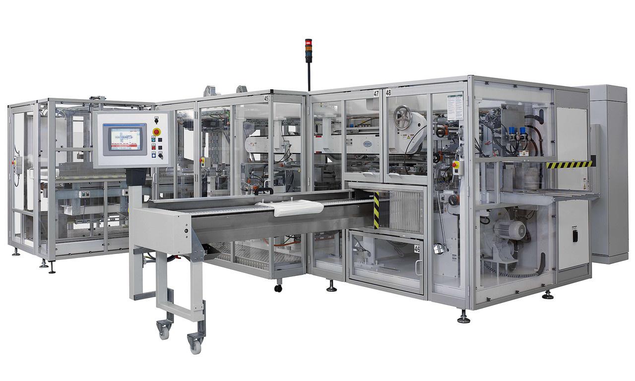 Höchste Verpackungsqualität ist stets der Fokus bei Optima Nonwovens. Die Beutel- und Verpackungsmaschine OPTIMA HS/OS3