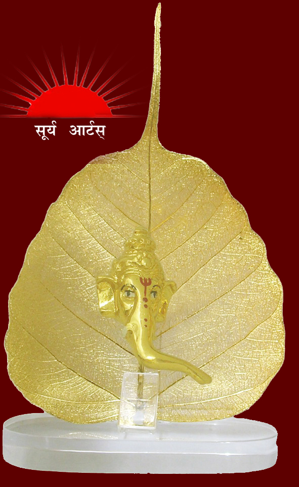 we are offering the unique range of gold plated idols and leaf set.