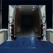 Charger et décharger camions et camionnettes sur le même quai ? C'est possible avec les niveleurs de quai HTLV-3 de Hörm