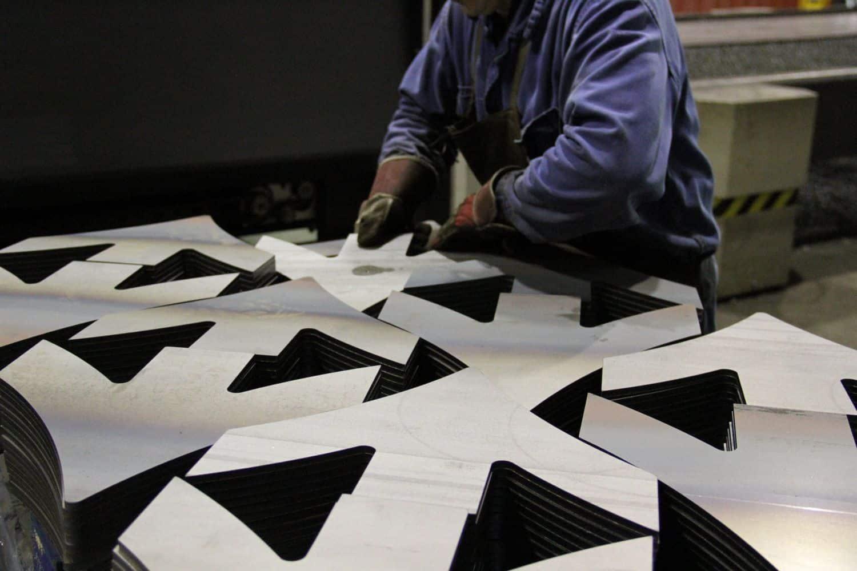 corte láser de precisión y mantenimiento industrial
