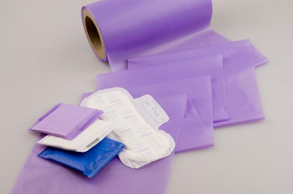 Fólie HYGITEN® OkV jsou určené pro výrobu dámských vložek jako vnější vrstva (BS – back sheet folie) a dalších hygienick