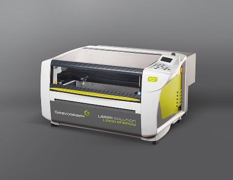 La LS100 Energy es una máquina de tecnología láser CO2 para los que se quieren iniciar en el grabado, marcaje y corte d