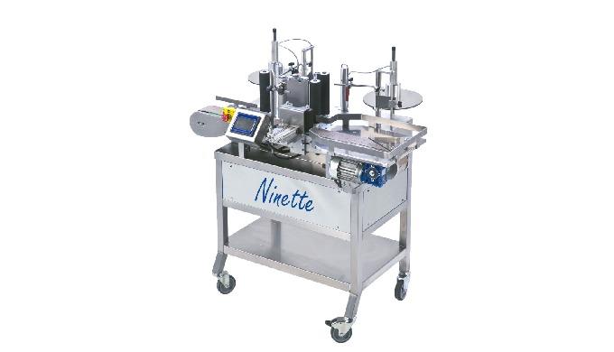 Conçue par la société CDA, la Ninette Auto est une étiqueteuse semi automatique permettant la dépose d'une ou de deux ét