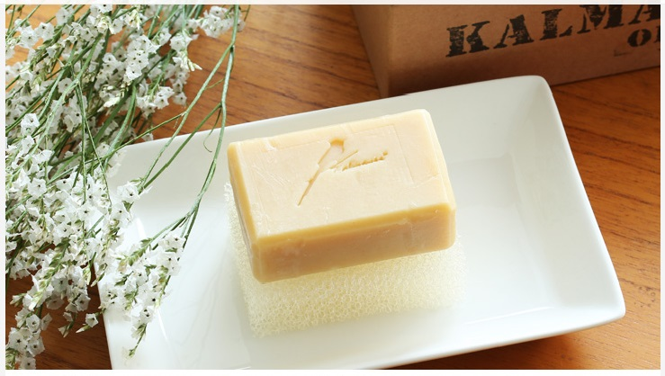 # Hand-made Soap Products made by pressing the seeds of the plant the oil refining. -Coconut oil + Palm oil + orange oil