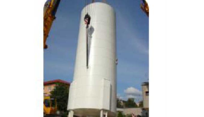 Akumulační nádrže, výroba akumulačních nádrží  Firma BAEST Machines & Structures, a.s. vyrábí a dodává akumulační nádr