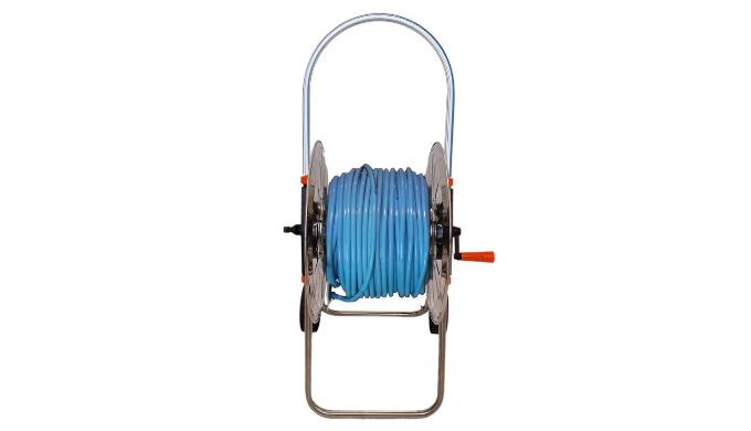 Enrouleur inox avec tuyau au rapport qualité/prix exceptionnel. Il vous sera livré, prêt à l'emploi, avec 50m de tuyau e