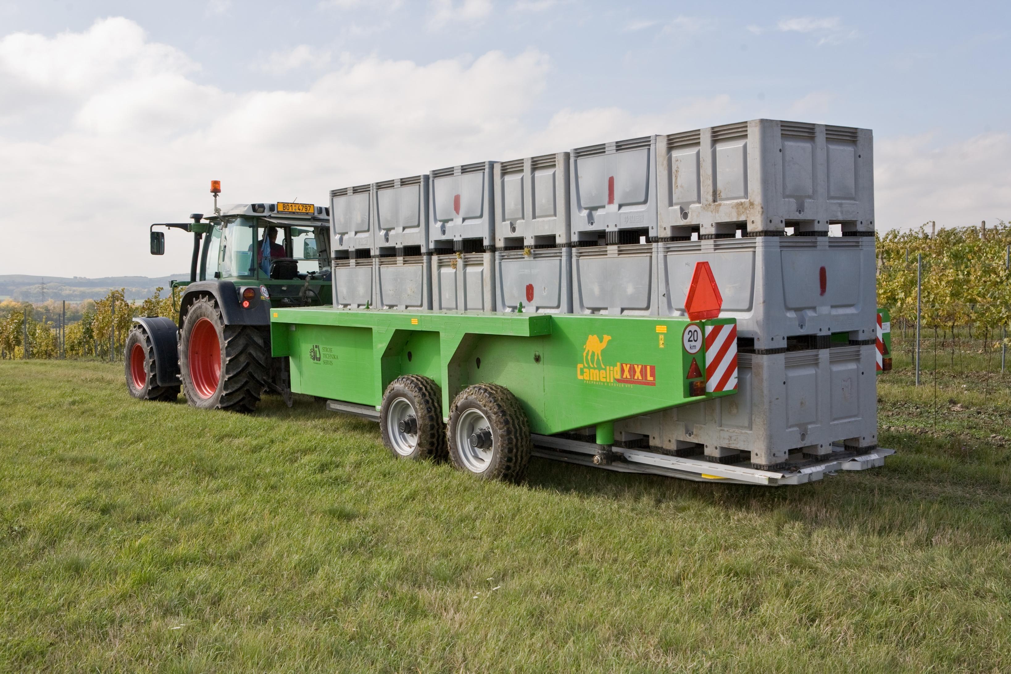 sts prachatice, a.s. - traktorové vyvážeče, přívěsy, mulčovače, cnc