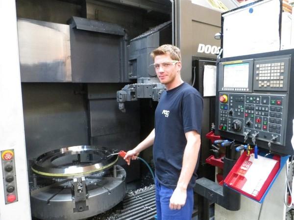 Obrábění rotačních dílů na CNC karuselech