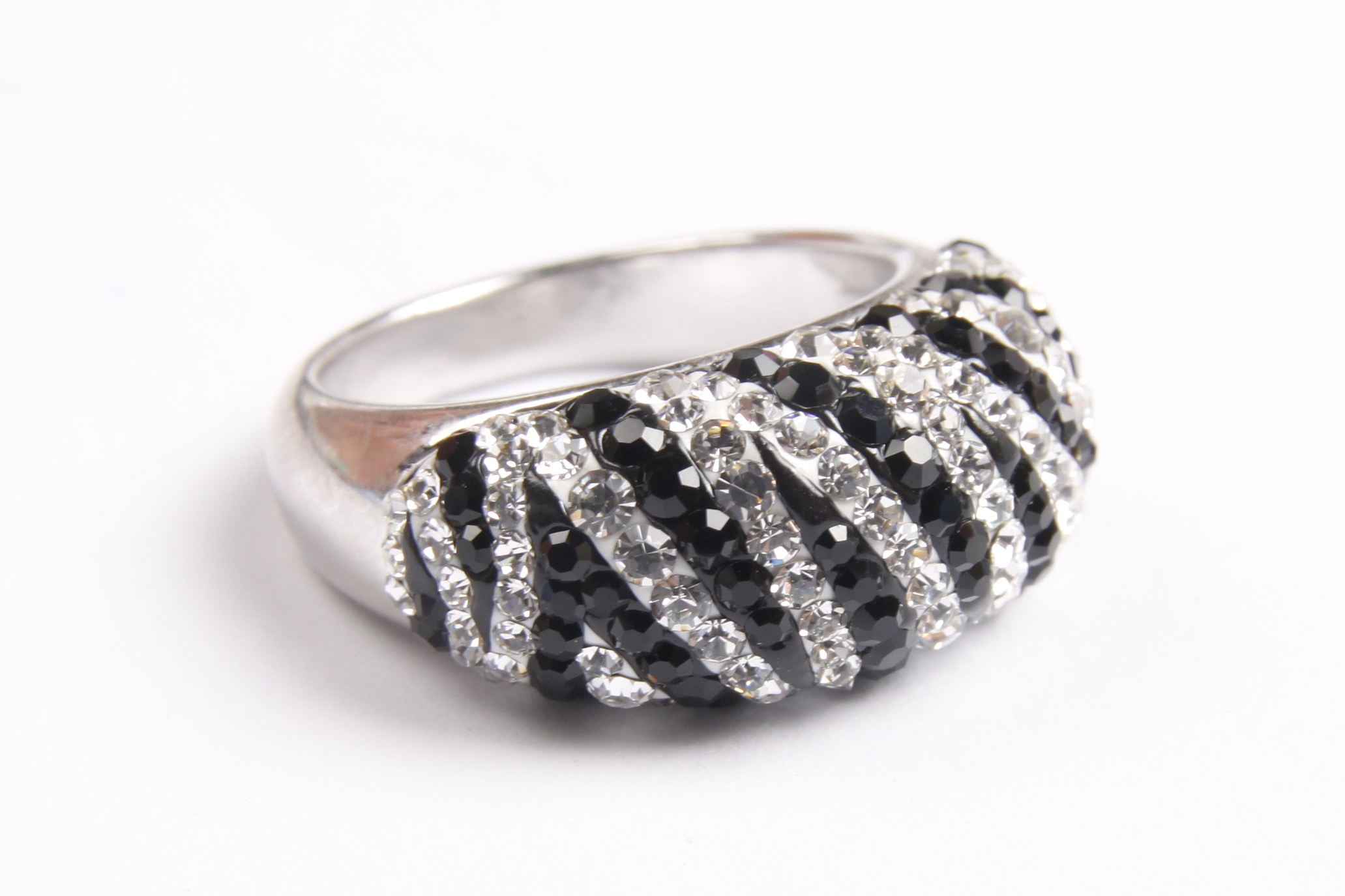 Scent of a love zebra ring