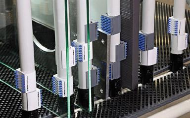 Handelsübliche Rohrsysteme (28 mm) dienen der Herstellung von z. B. Trans-portwagen, Routenzügen, Arbeitsplätzen und Ber