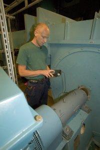 Obalans är ett vanligt fel i roterande maskiner. Orsakerna till obalans är många, till exempel slitage, smuts, excentris