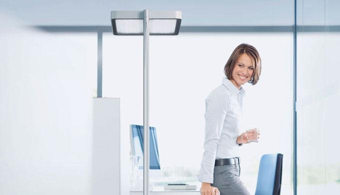 LED per l'illuminazione generale e dell'area di lavoro Elemento di comando multifunzione facilmente raggiungibile Testa