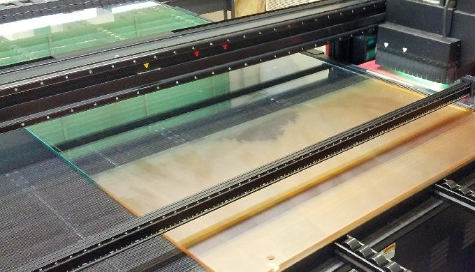 Stampa su Vetro e Materie Plastiche