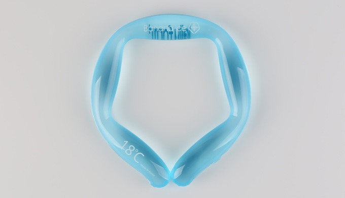 1. Body cooling system worn around the neck : It quickly restores the body temperature to normal 2. Special refrigerant
