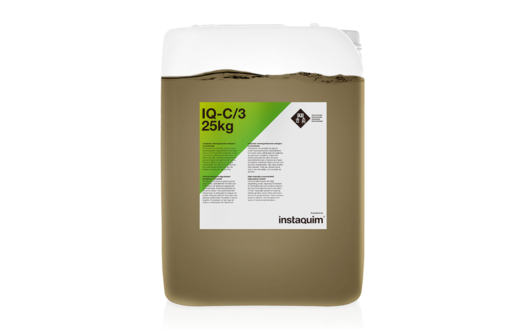 IQ-C/3, limpiador desengrasante enérgico concentrado.