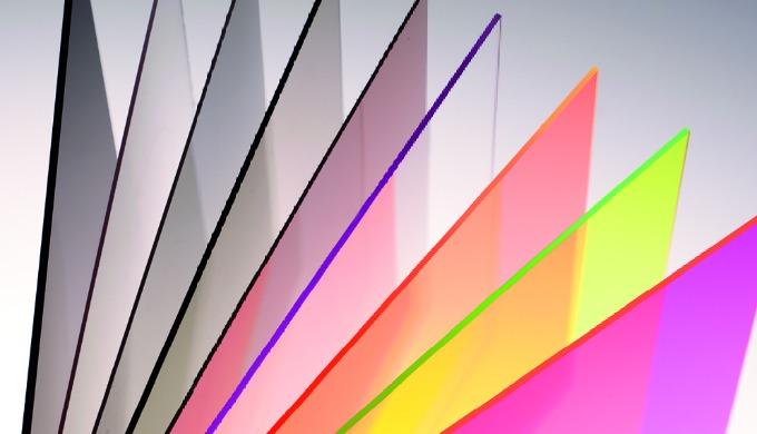 Axpet kan med fördel användas till vikbara displayer, affischskydd, prisetiketter, lådor och backar. Axpet är mycket mil