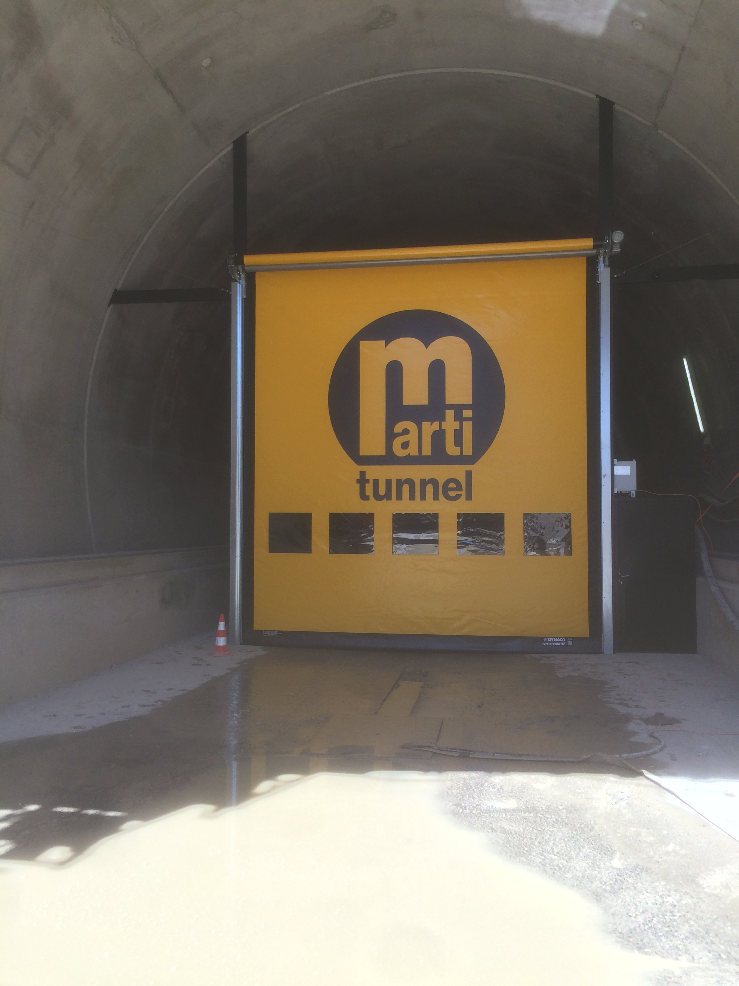 Schnelllauftor im Tunnel de Champel