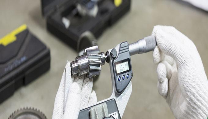 Produkte und Märkte  Herstellung von komplexen, präzisen, mechanischen Teilen und Baugruppen Maschinenindustrie Medizin