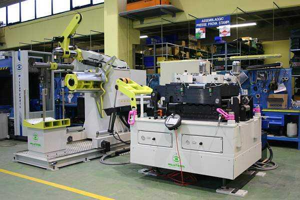 Líneas compactas y largas de alimentación para prensas y periféricos en general que permiten automatizar los procesos al
