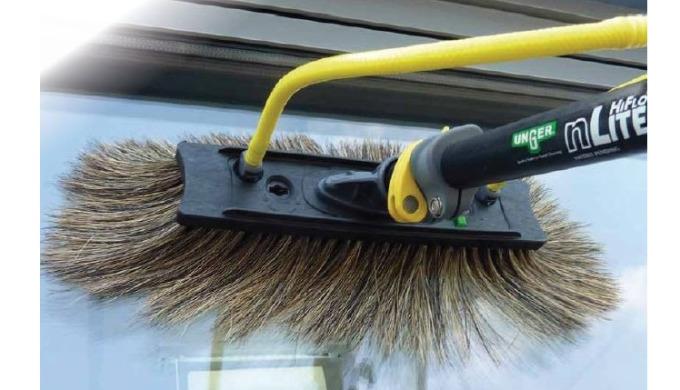 En tant que leader dans le lavage des vitres, Unger tient à fournir la meilleure qualitéde brosses en soies naturelles,