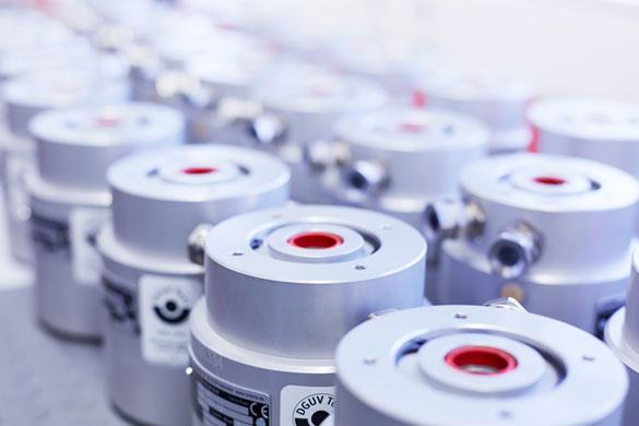 Sicherheit für Schräg- und Vertikalachsen Typische Einsatzfelder sind Schräg- und Vertikalachsen im Bereich Automation,