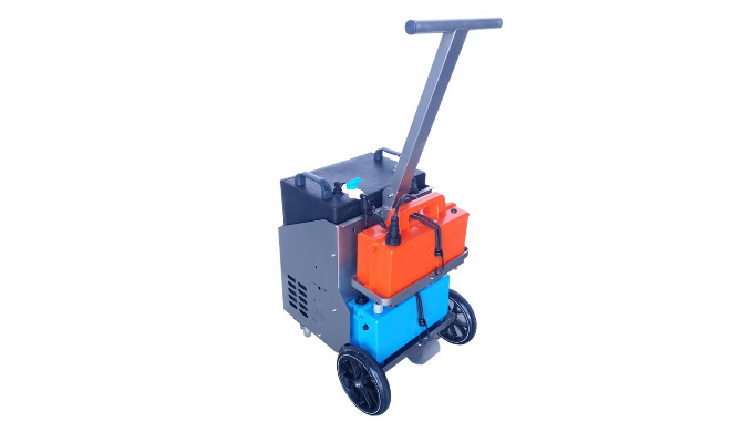 Matériaux chariot : inox 304 L Pompe 12V, 84Watts, 6 Bars, débit de 0.1 à 6L/mn Batterie gel 12V, 26 Ah, autonomie 5h30/