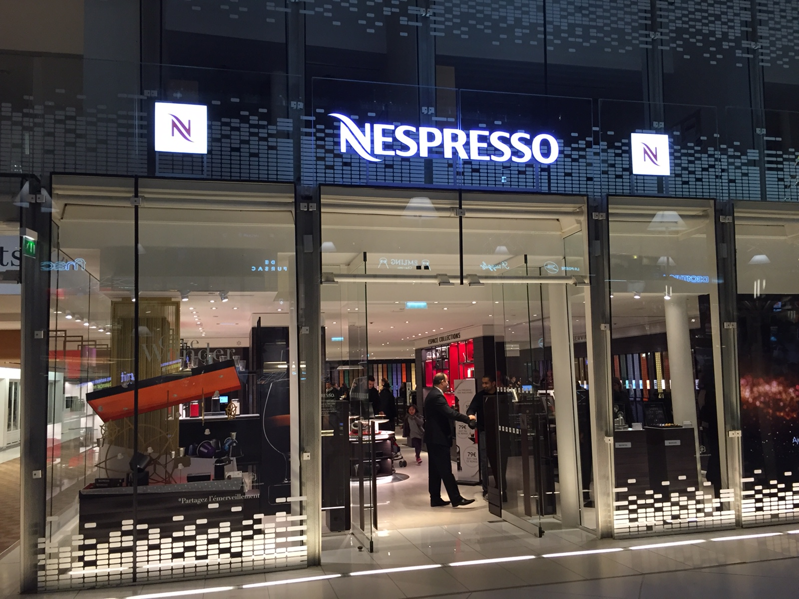 Nespresso s'installe au CNIT