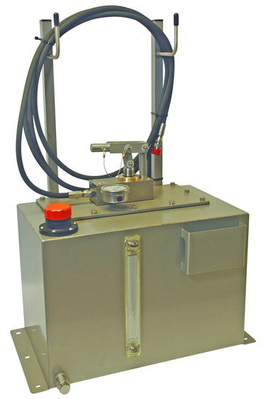 Elesa breather caps and level indicators hit the mark for Sarum Hydraulics Micropac hand pumps
