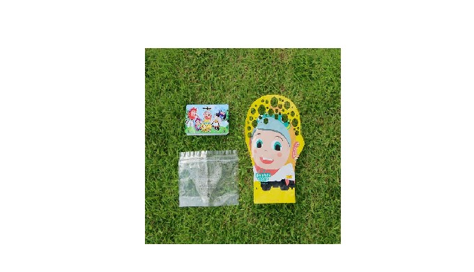 ● Introduction This is a new glove-shaped bubble toy that can make lots of bubbles in a very short time. Users simply da