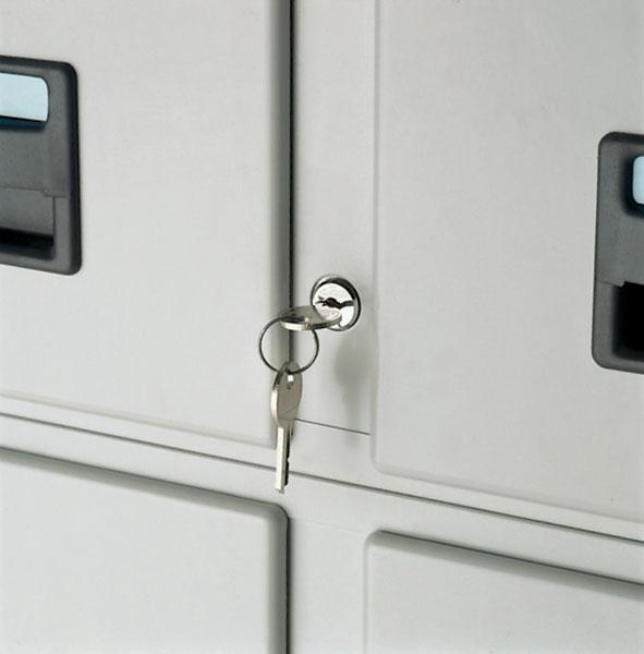 Pour fichiers 2 tiroirs de marque Val-Rex Permet de condamner simultanément les 2 tiroirs d'un moduleInstallation par vo