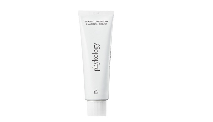 Contains 67% Fermented Seaweed extract Contains Ceramide NP to build effective skin barriers. Phytosqualane for skin rec