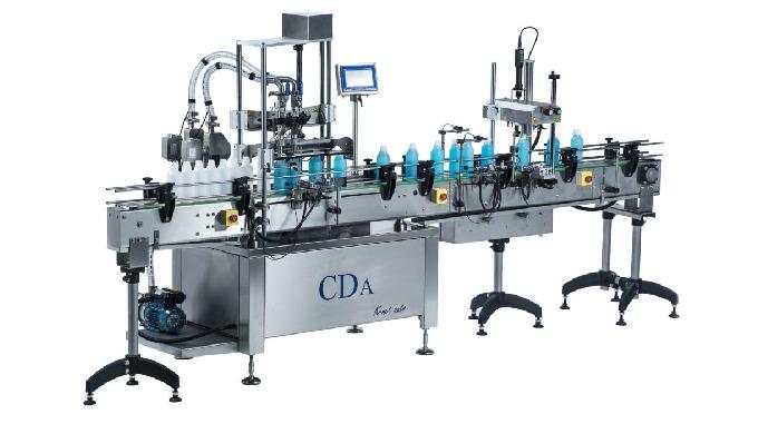 Conçue par la société CDA, la K-Net Auto est une remplisseuse automatique équipée d'un convoyeur inox permettant un dosa