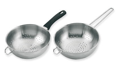 Colaner in stainless steel with a handle or mesh. www.ilsa.es