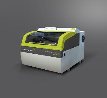 Máquina para grabar, marcar y recortar mediante láser CO2 con una estructura robusta y con una gama de potencias desde 4