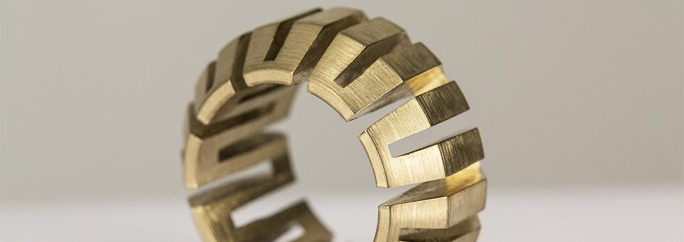 Wir produzieren Prototypen und Einzelteile in Klein- und Mittelserien von anspruchsvollen Hochpräzisionsteilen für alle