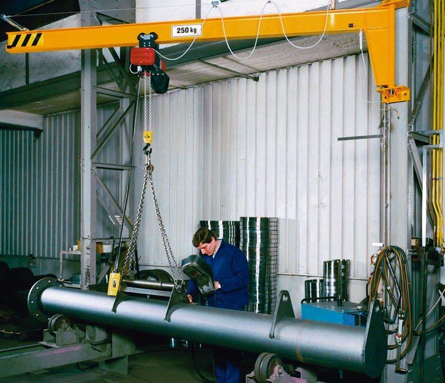 Tragfähigkeit 1000 kg, Hubhöhe 3 mKonstruktion nach EN-Vorschriften und EU-Maschinenrichtlinien für leichten Industrieei