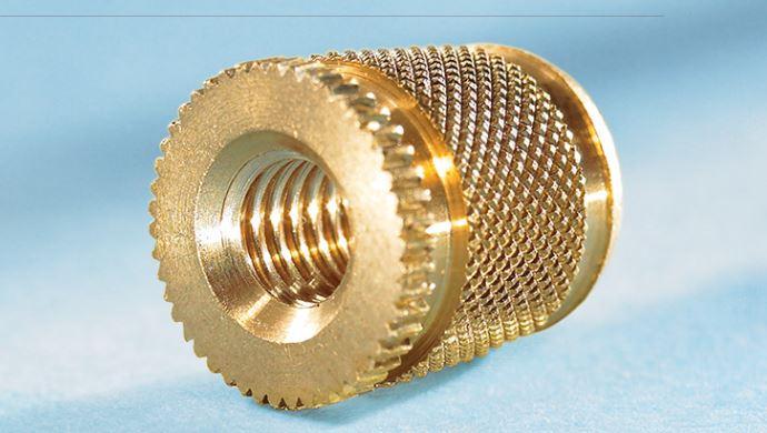 Insertos roscados de precisión AMTEC  para piezas de plástico y equipos para su instalación