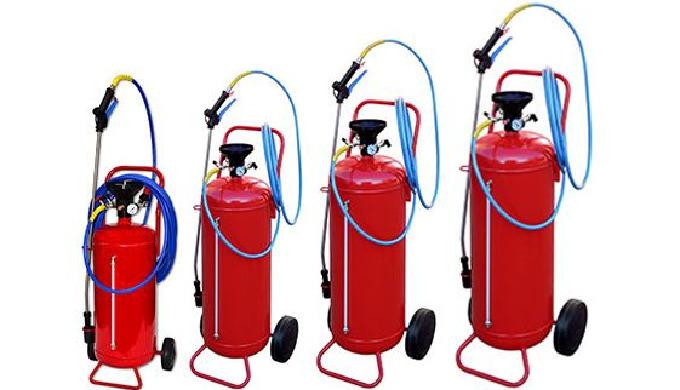 Le canon à mousse série Pro Acier est destiné à générer de la mousse à partir d'une solution détergente ou désinfectante