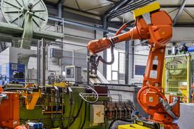 Strojmetal Aluminium Forging, s.r.o., Kamenice u Prahy, je výrobním závodem, který vyrábízápustkové výkovkypro Českou