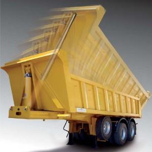 Véhicules conçus pour l'approvisionnement des chantiers, le transfert d'enrobés et de matériaux en vrac homogène, unifor