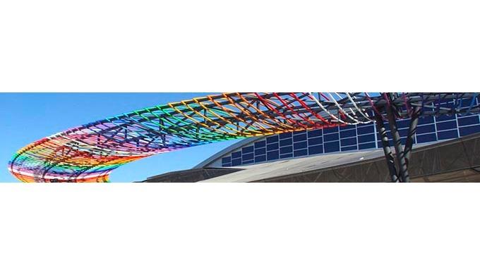 El Centro de Ferias y Congresos de Málaga es una instalación internacional de vanguardia  183,000 pies cuadrados de esp