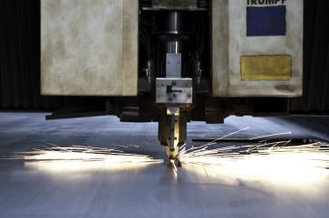 Ofrecemos servicios de transformación de metales (acero, acero inoxidable, aluminio, latón y cobre) utilizando tecnologí