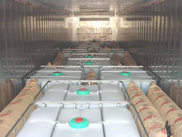 Dunnage bags for cargo protection - Bates Cargo-Pak ApS