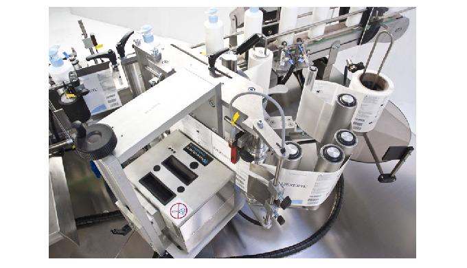 Intégré par CDA, l'imprimeur et codeur par transfert thermique permet d'imprimer des informations sur les étiquettes de