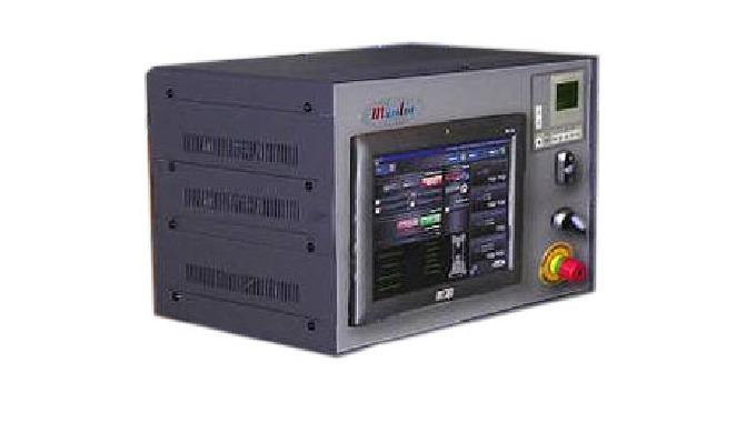Sistema de control en tiempo real con adquisición de datos sincronizada y generador de funciones para control del actuad