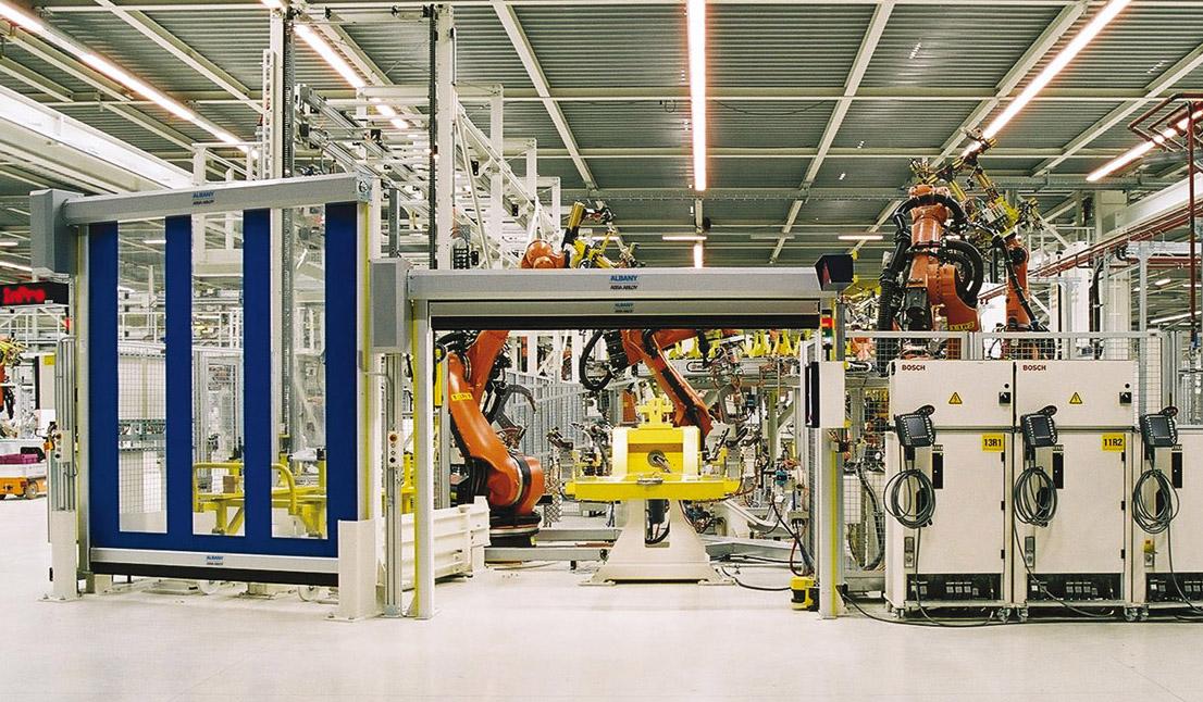 Mehr Effizienz und Produktivität durch professionelle Maschinenschutztore