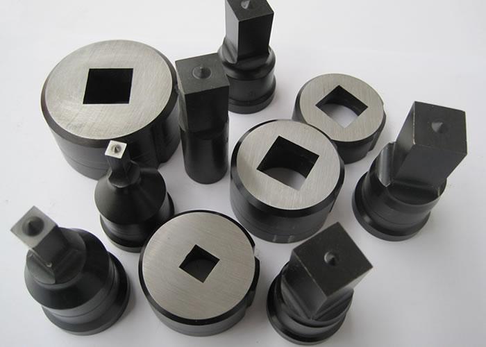 Punzones Cuadrados: se utilizan para realizar cualquier trabajo deseado en ángulos, pletinas y perfiles con una duració